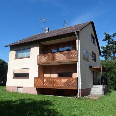 Zwei - Dreifamilienhaus